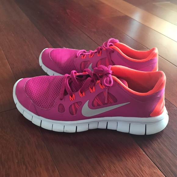 Nike Neon Pink/Coral Free 5.0 Running Shoes (7)
